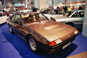 1280px-Ferrari_400