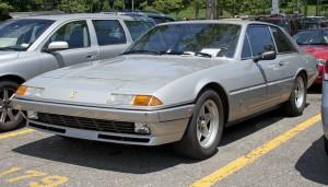 1983_Ferrari_400i_5-spd