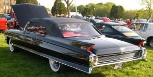 800px-1962_Cadillac_Series_62_Convertible